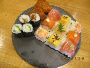 西5番地 てまり寿司行事(誕生祝い)